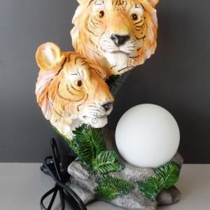 настолна лампа тигър