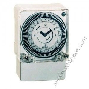 часовник GR 211.4 tactic 16А